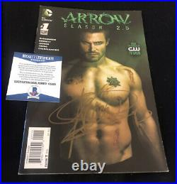 Stephen Amell signed Arrow comic book poster photo Oliver Queen CW sexy hot BAS
